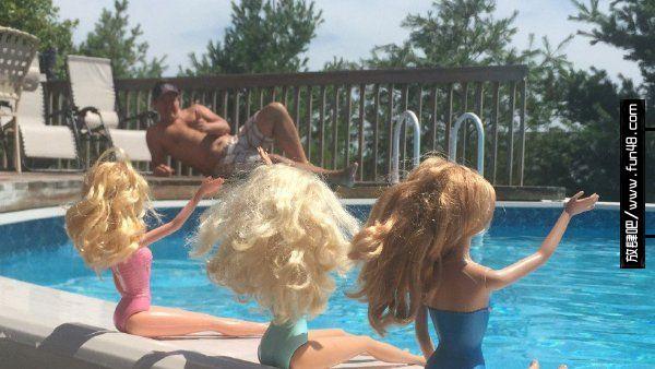 假期和一群泳装美女一起度过